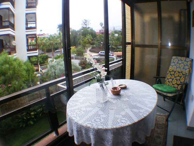 TO RENT: Apartment with one Bedroom and wintergarden with nice views