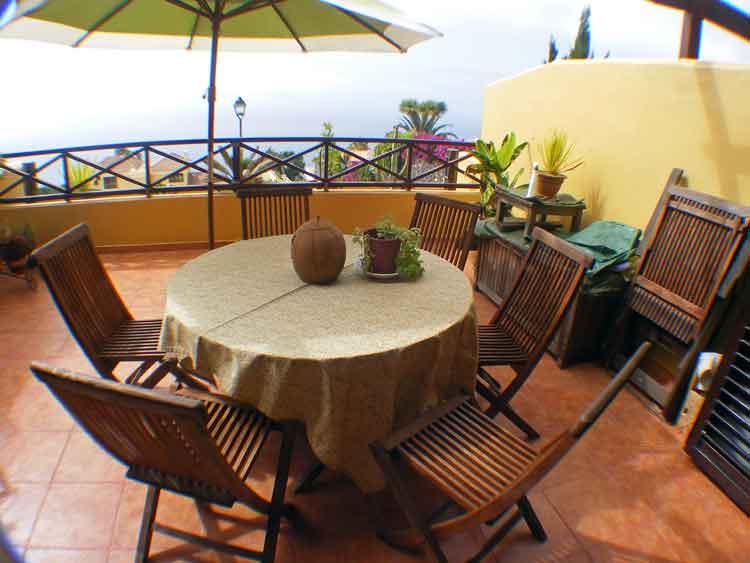 Immobilien Teneriffa Ferienapartment mit grosser Terrasse - Apartment mit zwei Schlafzimmern und grosser Sonnenterrasse