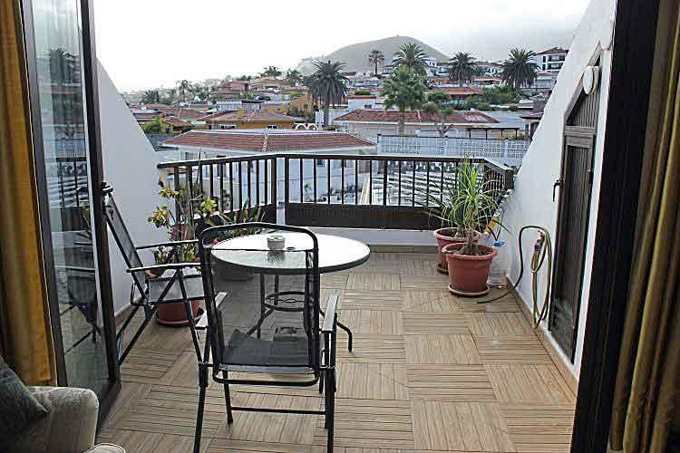 wohnung mit zwei schlafzimmern und terrasse mit meerblick el toscal teneriffa in los realejos. Black Bedroom Furniture Sets. Home Design Ideas