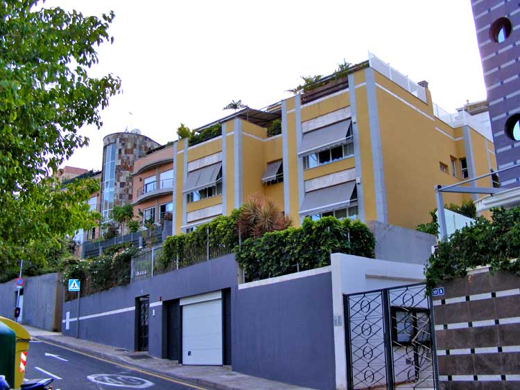 This charming property occupies a quiet position in the city click to enlarge the image