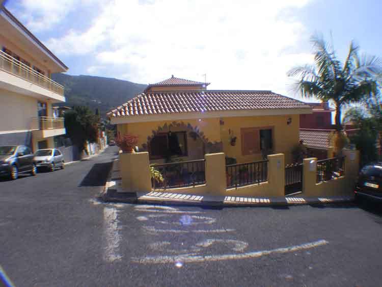 Teneriffa, Immobilie, Stadthaus mit drei Schlafzimmern - Hübsches, praktisches Haus unweit vom Stadtzentrum von Icod de los Vinos entfernt