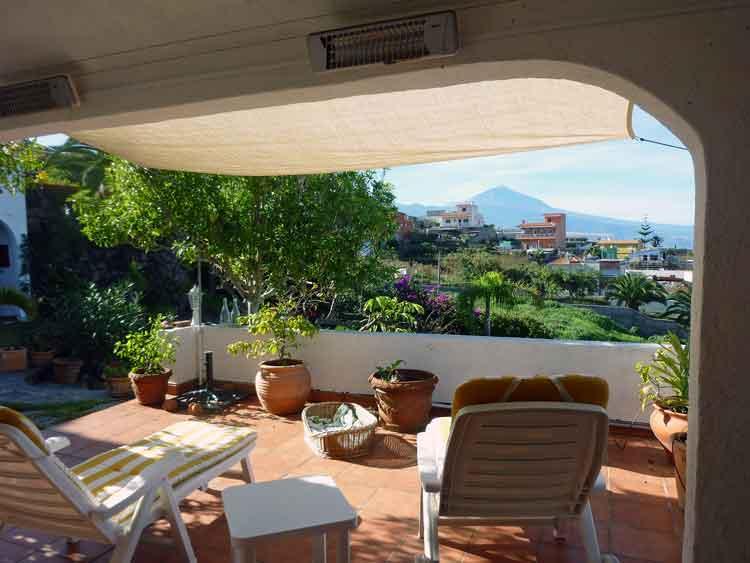 Casa estilo canario con 3 dormitorios, casa de huéspedes y barbacoa en Tacoronte Tenerife