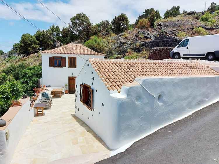 Haus mit drei Schlafzimmern in ruhiger Umgebung mit Meerblick und Vermietungslizenz
