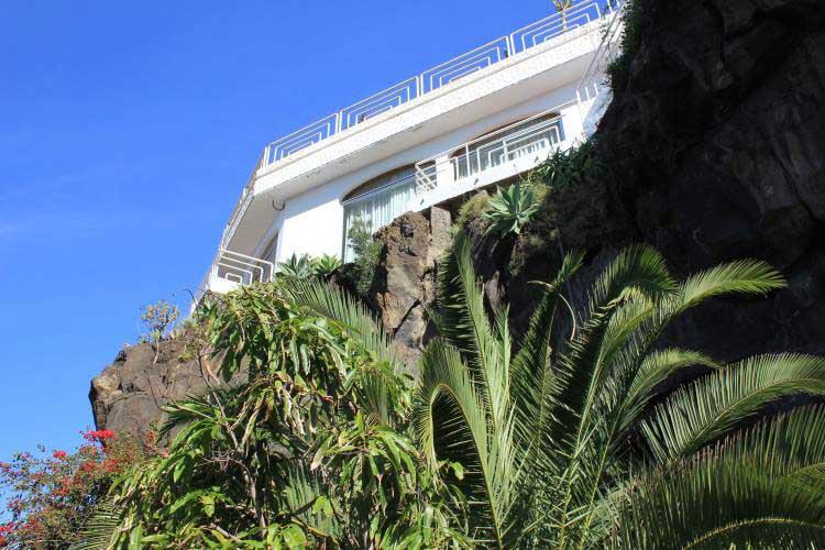 Teneriffa, Immobilie, Sch�ne Villa mit herrlichem Panoramak�stenblick, der Entwurf dieses wunderbare Haus f�hrt zu der M�glichkeit von zwei H�usern, ideal f�r eine Gro�familie - El Sauzal