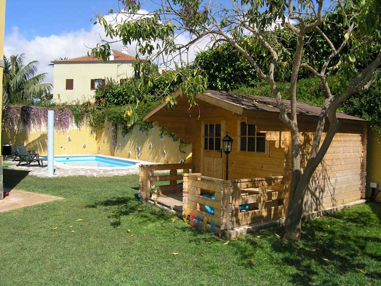 Casa de campo con piscina cool hermosa y lujosa casa de for Casas de madera con piscina
