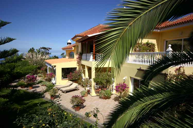 Ref. 5359 - Houses from 6 Bedrooms