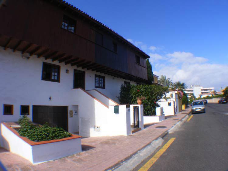 Sehr h�bsche Reihenhaus  nur wenige Gehminuten von Zentrum und La Paz entfernt.