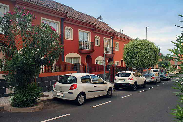 Ref: 5285-3904-ZE - Terraced Houses 3 bedrooms