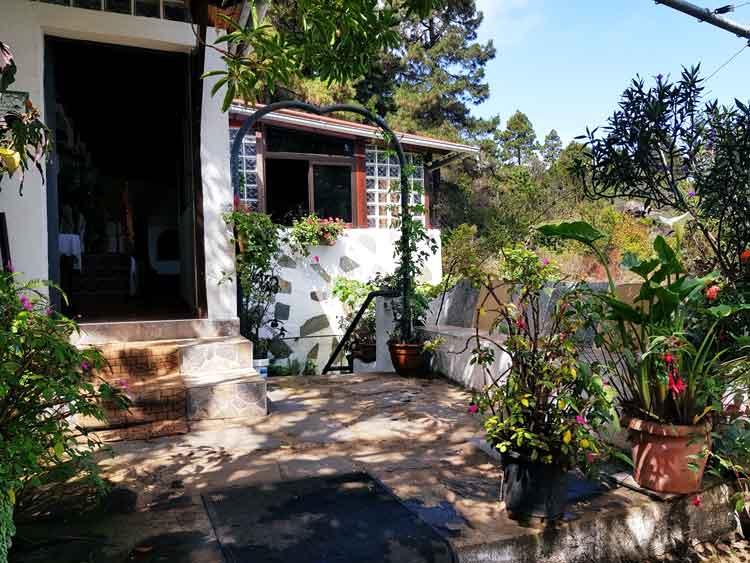 Finca mit einem Schlafzimmer, Grundstück ca. 5.000m2 in idyllischer Lage