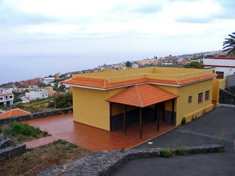 Finca de nueva construcción, dos dormitorios, baño, cocina, salón-comedor en El Sauzal
