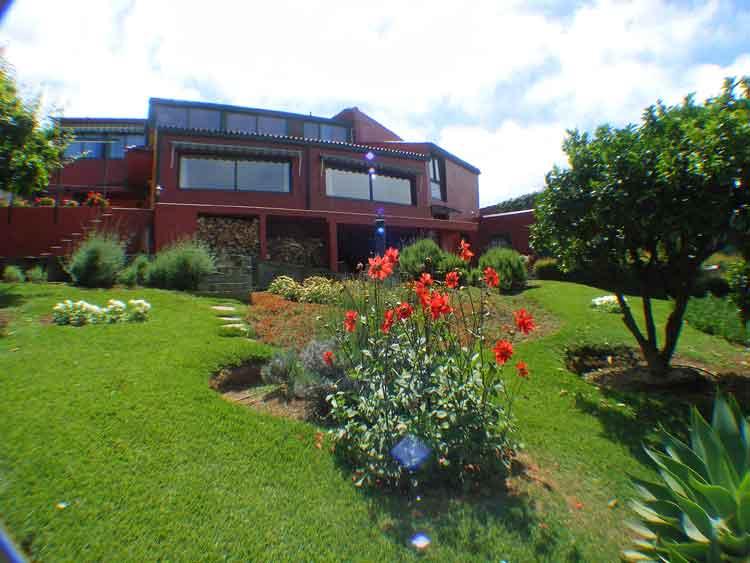 Finca mit drei Schlafzimmer und sehr schön angelegter Garten