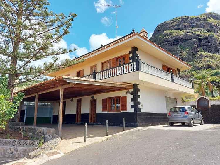 Finca mit drei Schlafzimmern und grossem landwirtschaftlichen Grundstück 38.147m2